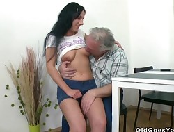 Steaming youthful hottie gets her bawdy cleft pleased by old crock