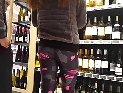 Candid - sweetheart girl in flashing legging